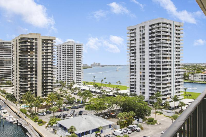 Image for property 120 Lakeshore Drive T36, North Palm Beach, FL 33408