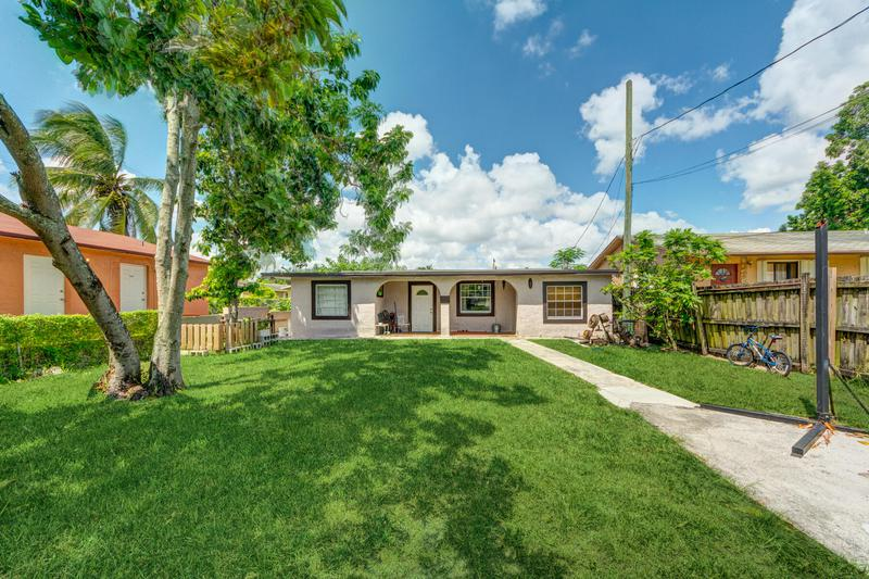 Image for property 5925 Fillmore Street, Hollywood, FL 33021