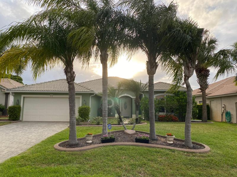 Image for property 532 Waverly Circle, Port Saint Lucie, FL 34983