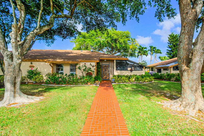 Image for property 13232 Lucinda Palm Court B, Delray Beach, FL 33484