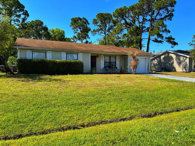 Image for property 126 Thornhill Drive, Port Saint Lucie, FL 34984