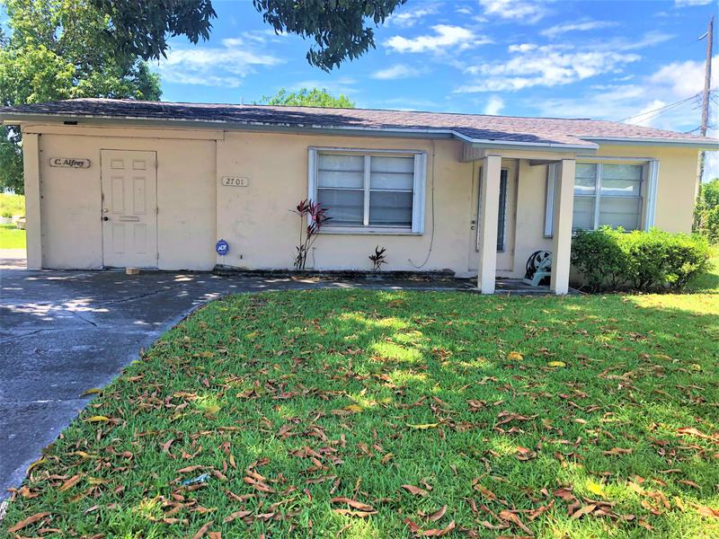 Image for property 2701 10th Avenue, Lake Worth, FL 33461