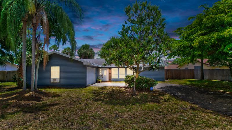 Image for property 707 Boulevard Chatelaine, Delray Beach, FL 33445