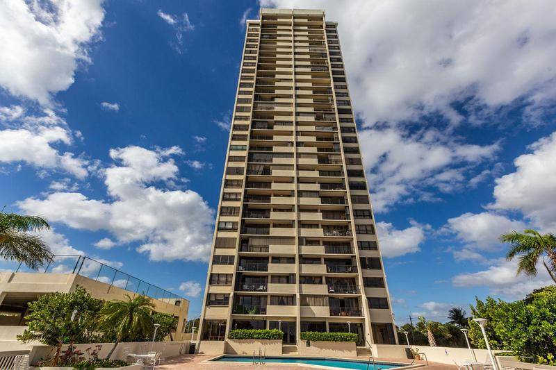 Image for property 5600 Flagler Drive 2801, West Palm Beach, FL 33407