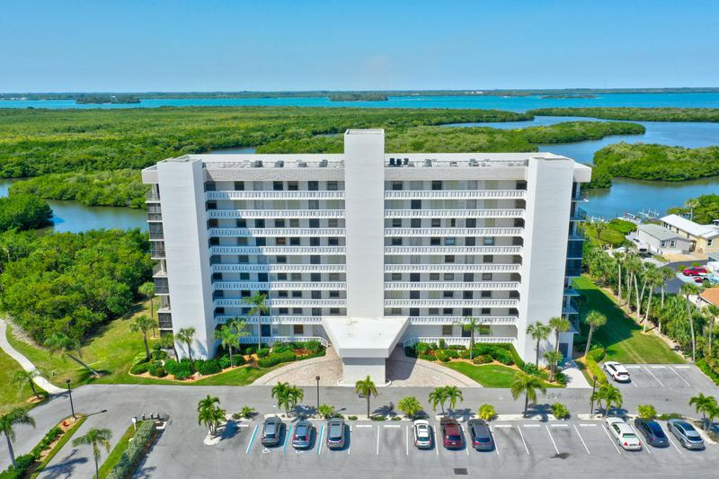 Image for property 5059 Highway A1a 206, Hutchinson Island, FL 34949