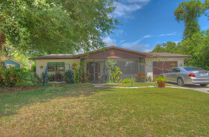 Image for property 5307 Hickory Drive, Fort Pierce, FL 34982