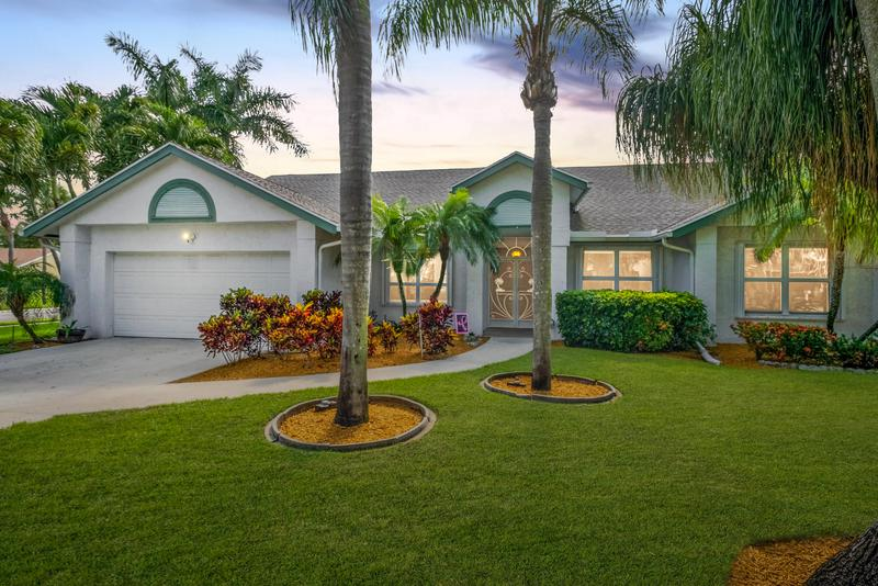 Image for property 722 Golf Court, Delray Beach, FL 33445