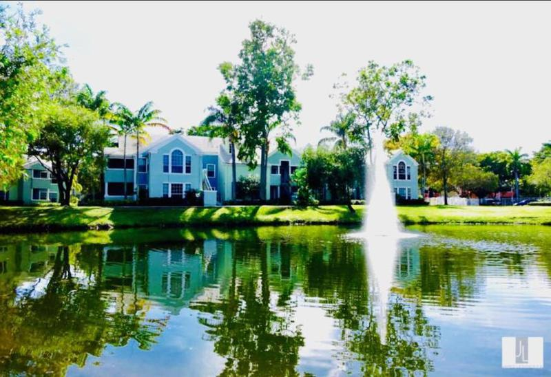 Image for property 1165 Crystal L Way L, Delray Beach, FL 33444