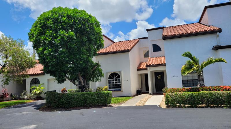 Image for property 13538 Fountain View Boulevard, Wellington, FL 33414