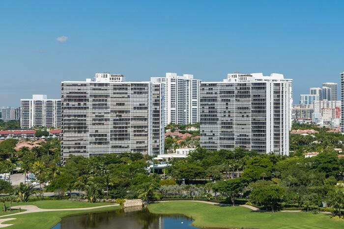 Image for property 3701 Country Club Drive 102, Aventura, FL 33180