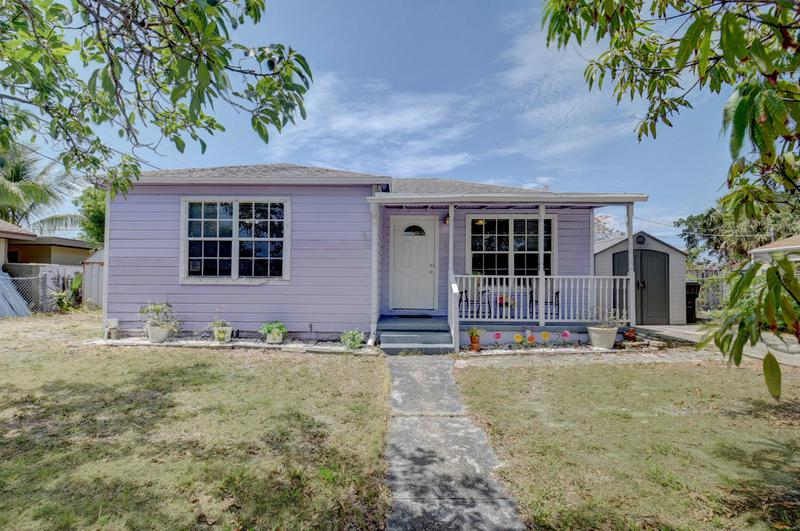 Image for property 810 Franklin Road, West Palm Beach, FL 33405