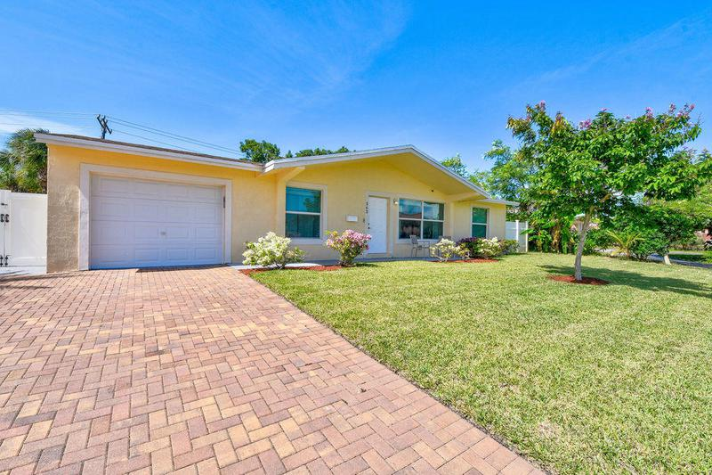 Image for property 563 Palmetto Drive, West Palm Beach, FL 33403