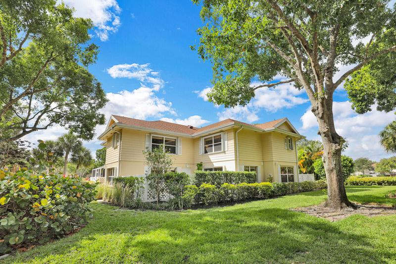 Image for property 8156 Chelsea Court 56a, Lake Clarke Shores, FL 33406