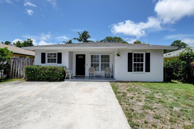 Image for property 918 2nd Avenue, Delray Beach, FL 33483