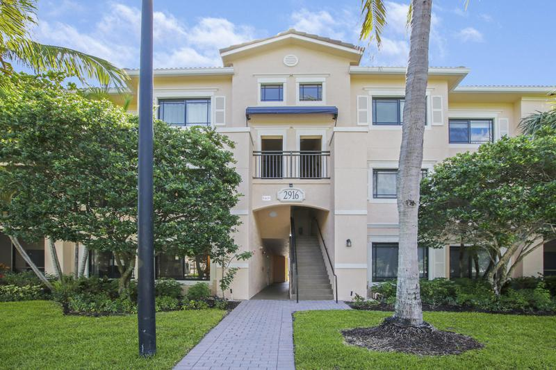 Image for property 2916 Tuscany Court 105, Palm Beach Gardens, FL 33410