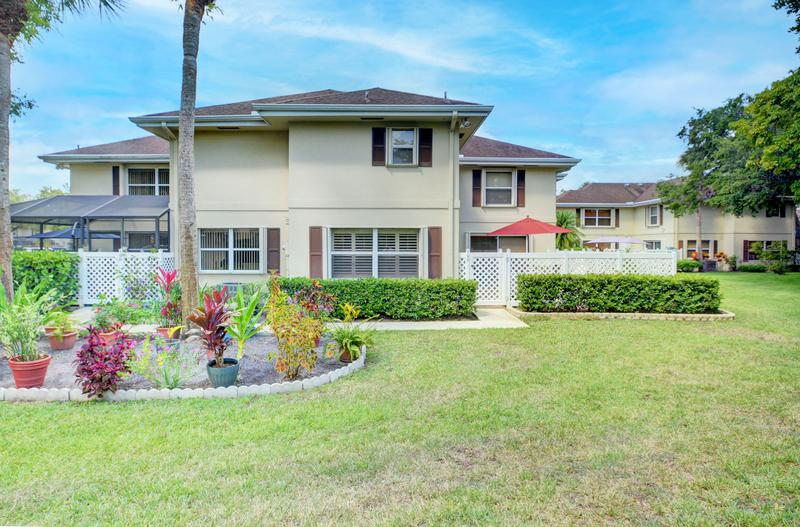 Image for property 19 Amherst Court A, Royal Palm Beach, FL 33411