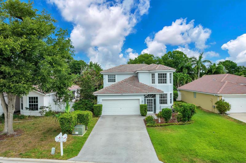Image for property 12109 Sunset Point Drive, Wellington, FL 33414