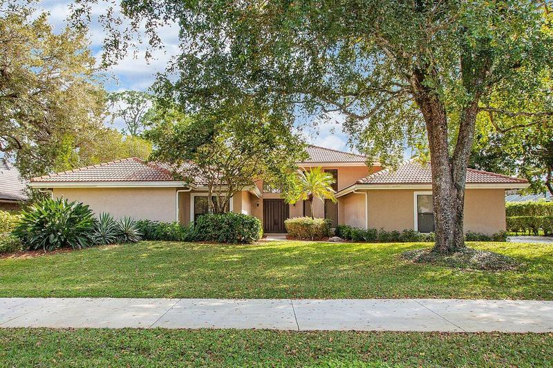 Image for property 1744 Breakers West Boulevard, West Palm Beach, FL 33411