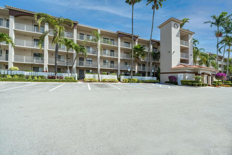 Image for property 6149 Pointe Regal Circle 208, Delray Beach, FL 33484