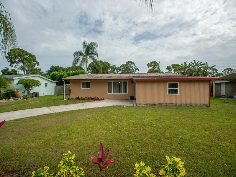 Image for property 2194 1st Place, Vero Beach, FL 32962