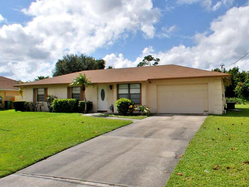 Image for property 1625 Holiday Road, Port Saint Lucie, FL 34952