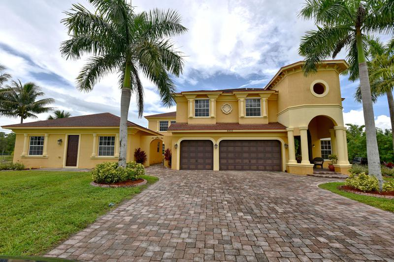 Image for property 6935 Grapeview Boulevard, The Acreage, FL 33470