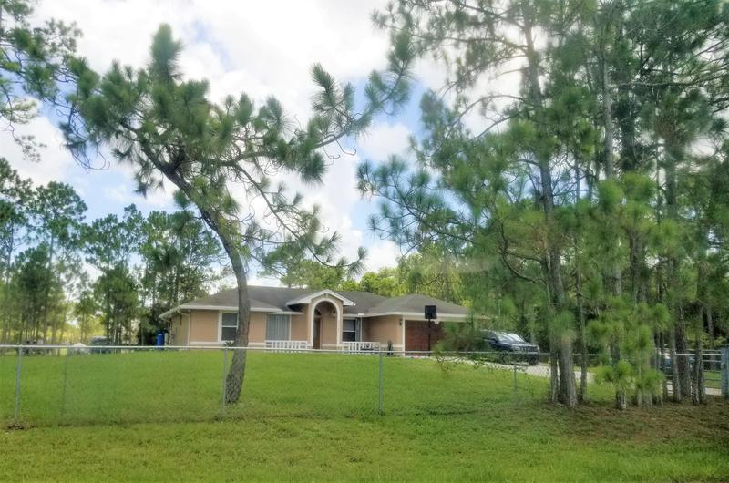 Image for property 15782 72nd Court, Loxahatchee, FL 33470