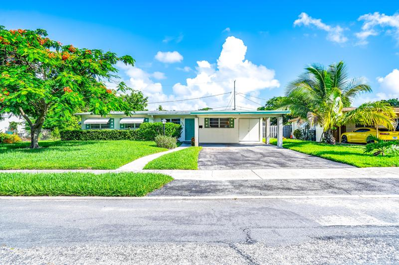 Image for property 1314 Crest Drive, Lake Worth Beach, FL 33461