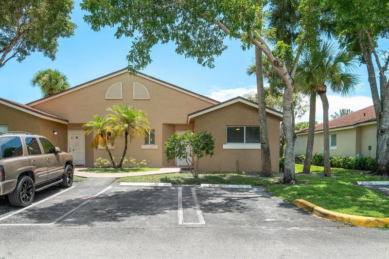 Image for property 1056 Lake Victoria Drive B, West Palm Beach, FL 33411