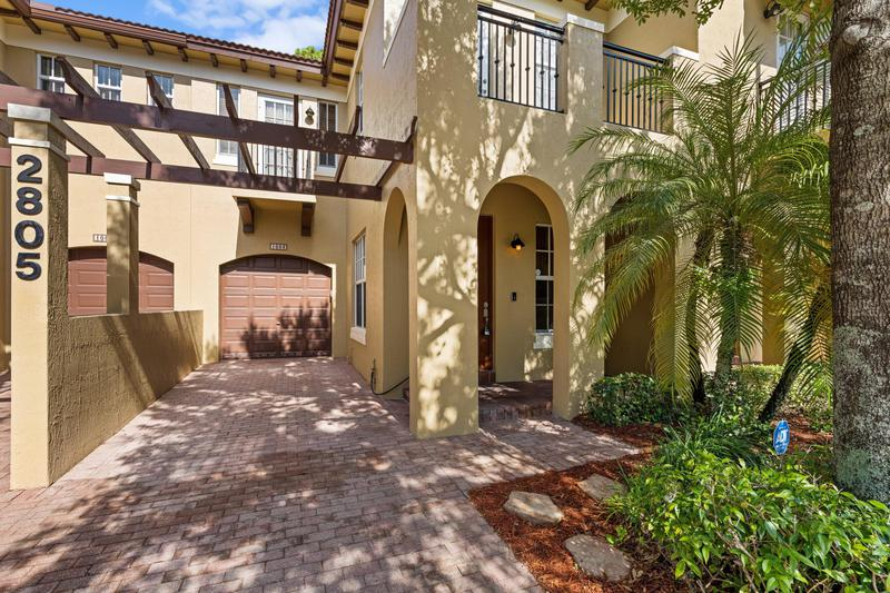 Image for property 2805 Eagle Rock Circle 3, West Palm Beach, FL 33411