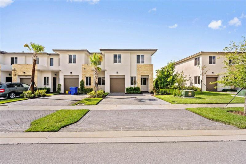 Image for property 660 Pioneer Way, Royal Palm Beach, FL 33411