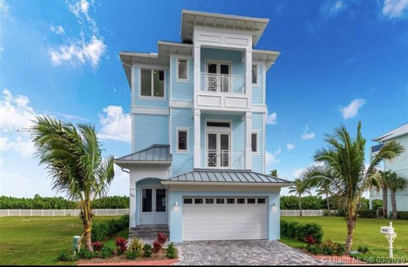 Image for property 4832 Watersong Way, Fort Pierce, FL 34949